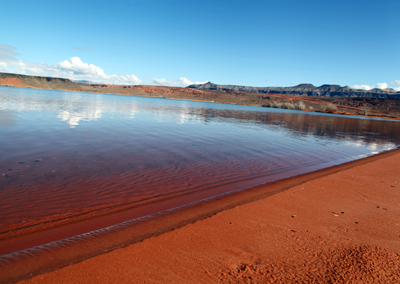 Sand Hollow red sand shore
